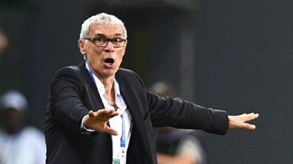 Hector Cuper trở thành HLV đầu tiên mất việc ở World Cup 2018