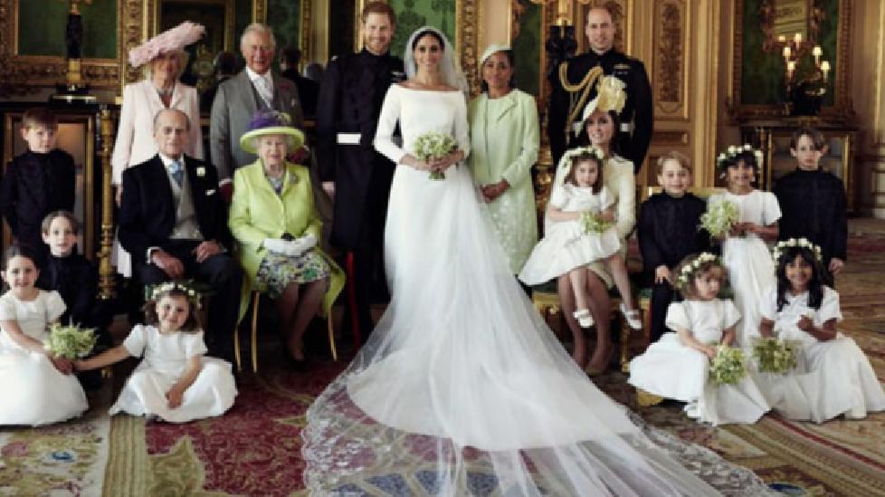 Hoàng gia Anh công bố bức ảnh đám cưới thế kỷ của Hoàng tử Harry