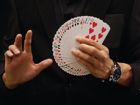 Đẳng cấp của những màn ảo thuật bài