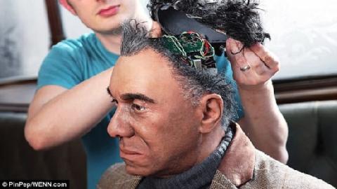 'Hết hồn' với robot giống hệt người thật, biết 'đá lông nheo'