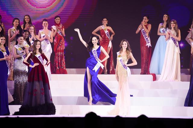 Đêm Chung kết cuộc thi Nữ hoàng Du lịch Quốc tế 2018 với sự tham gia tranh tài của các người đẹp khắp thế giới đã diễn ra tối qua tại thủ đô Bangkok, Thái Lan. Đại diện Việt Nam là thí sinh Nguyễn Diệu Linh.