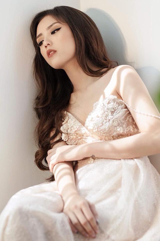 Hot girl Lâm Á Hân khoe hình thể nóng bỏng trong bộ hình dự thi The Face Vietnam 2018 - Ảnh 6.