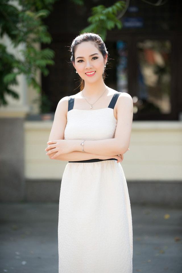 Đăng quang ngôi vị Hoa hậu Việt 2002, Mai Phương trở thành tâm điểm của truyền thông lúc bấy giờ khi cô là người đầu tiên đại diện nhan sắc Việt Nam tham dự cuộc thi sắc đẹp mang tầm vóc quốc tế mà lại là cuộc thi có tầm ảnh hưởng và uy tín nhất bấy giờ - Miss World 2003. Người đẹp lọt vào Top 20 và xếp hạng thứ 15.