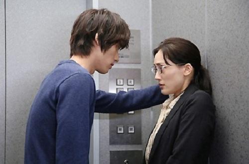 Một cảnh trong phim truyền hình chuyển thể từ truyện tranh Kyou, Kaisha wa Yasumimasu của Nhật năm 2015. Ảnh: Rocket News.