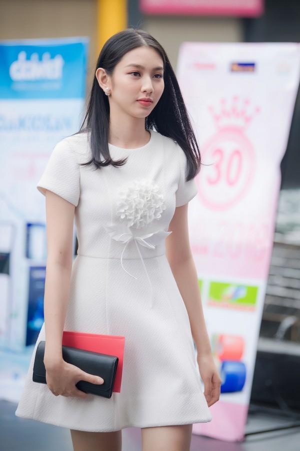 Dàn người đẹp lọt vào chung kết Hoa hậu Việt Nam 2018: Từ mới toanh đến Hoa khôi, con nhà nòi có tiếng trong showbiz - Ảnh 11.