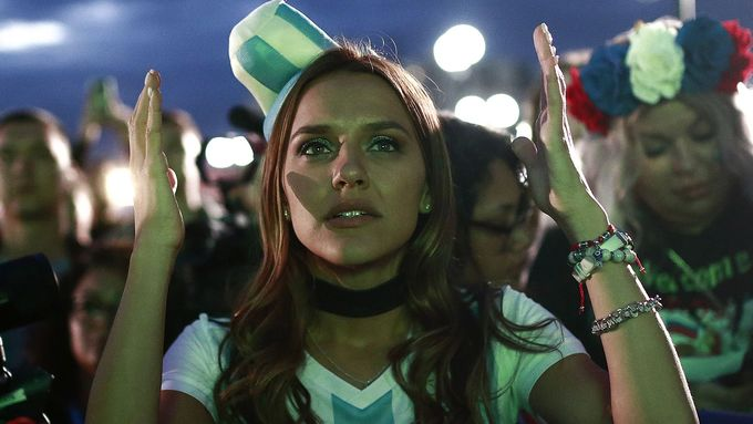 Những nữ du khách quyến rũ nhất tại World Cup 2018